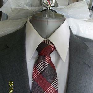 Soto33-41- Jos A Bank Lt Gray Solid 2Btn Suit
